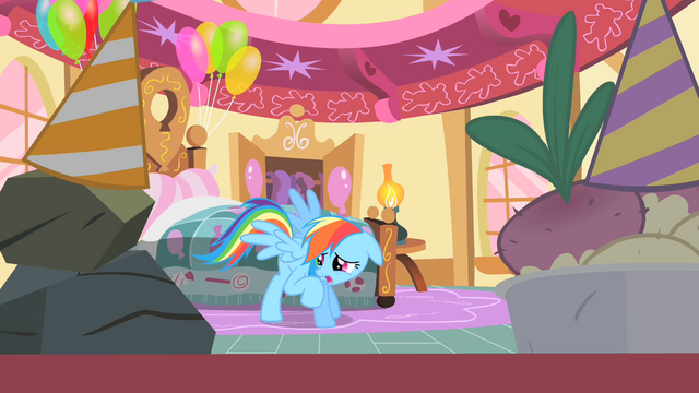 File:Rainbow Dash creeped out by Pinkie's party S01E25.png