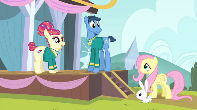 File:Torch Song greets Fluttershy S4E14.png