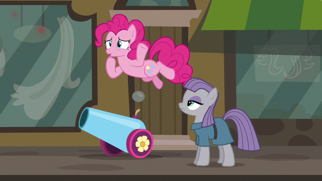 "File:Pinkie Pie ""uh-oh"" S6E3.png"