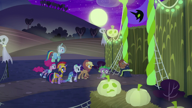 File:Main cast entering the corn maze S5E21.png