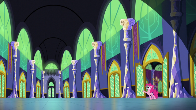 File:Pinkie in castle hallway zoom-out.png