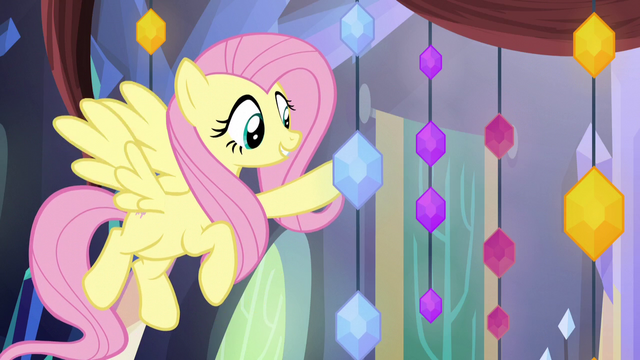 File:Fluttershy holding a memory jewel S5E3.png