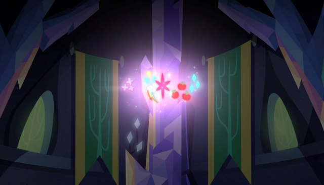 File:Cutie marks floating in the air S5E01.png