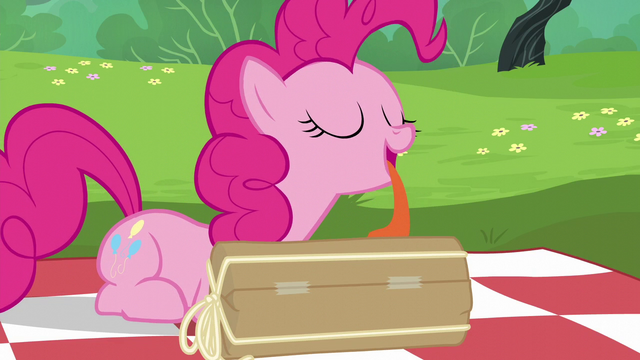 File:Pinkie Pie licking her present S6E3.png