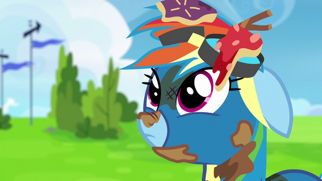File:Rainbow Dash hears more laughter S6E7.png