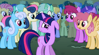 Twilight hear laundry S1E6