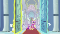 Princess Cadance at the door S2E25