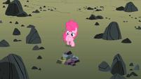 Pinkie thinking S01E23