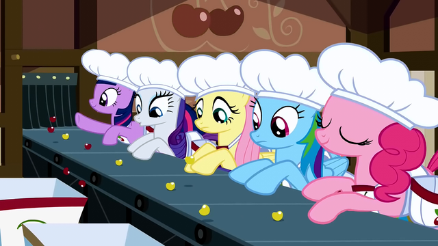 File:Rarity keeping eye S2E14.png