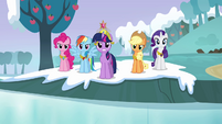 "Twilight and main cast ""it's back to being stone"" S03E10"