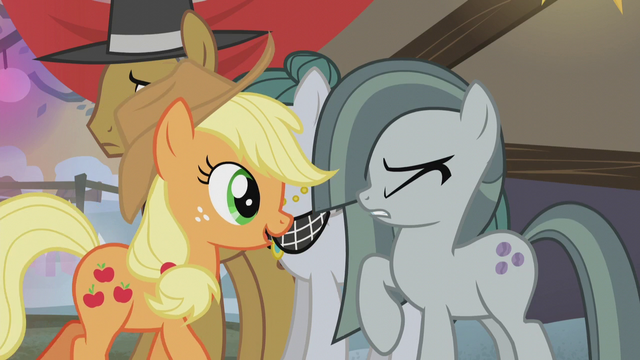 File:Marble Pie flinching S5E20.png
