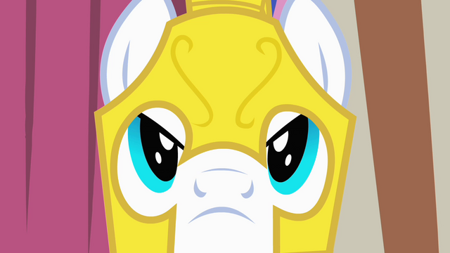 File:Expressionless royal guard S1E22.png
