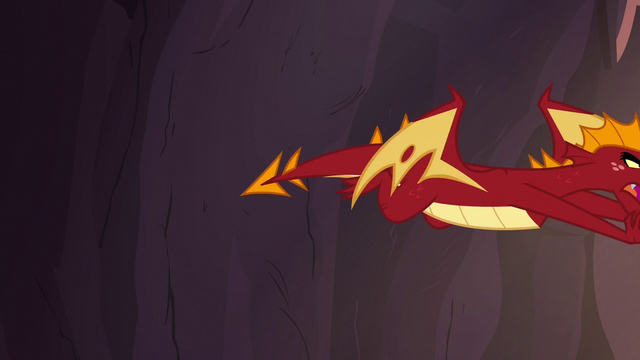 File:Garble flying toward Spike S6E5.png