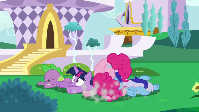 File:Twilight and friends crash to the ground S5E12.png