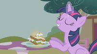 "Twilight Sparkle ""that's better"" S1E03"