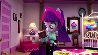 Twilight Sparkle reading a book EGM4