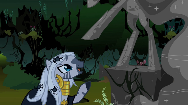 File:Zecora Looking at NMM Statue S2E04.png