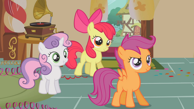 File:Sweetie Belle Apple Bloom Scootaloo smile 2 S1E12.png