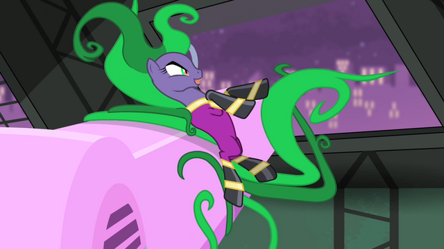 File:The Mane-iac pointing with her mane S4E06.png