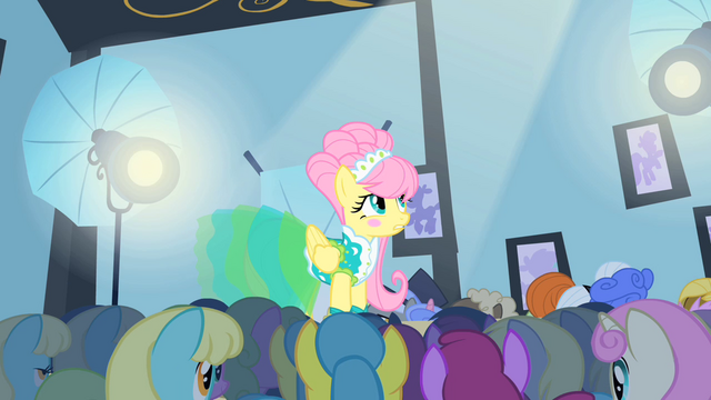 File:Fluttershy on the catwalk 2 S1E20.png