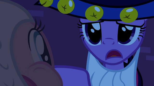 File:Twilight 'there's something' S2E04.png