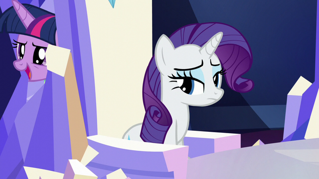 File:Twilight passes behind Rarity's throne S5E22.png