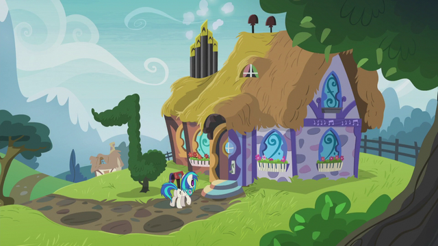 File:DJ Pon-3 and Octavia Melody's house S5E9.png