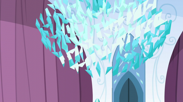 File:The Crystal Heart shatters S6E1.png