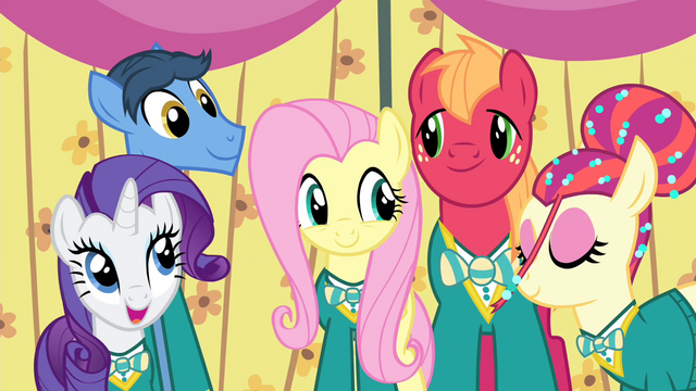 File:Fluttershy singing with the Ponytones S4E14.png