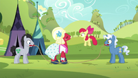 Apple Bloom and Orchard Blossom jumping rope S5E17