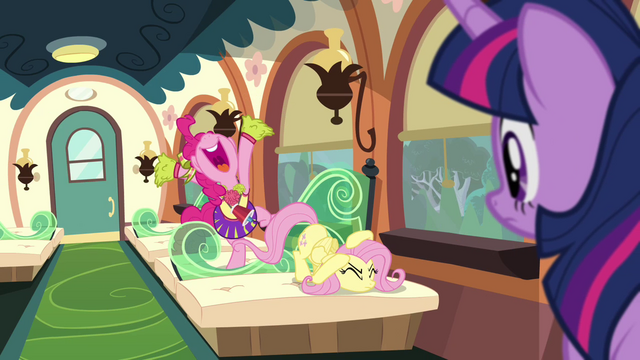 File:Pinkie Pie 'P is for 'Proud'!' S4E10.png