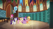 """Pinkie Pie pops back in """"really?"""" S5E19"""