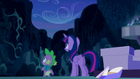 Twilight and Spike look up the night sky S5E26