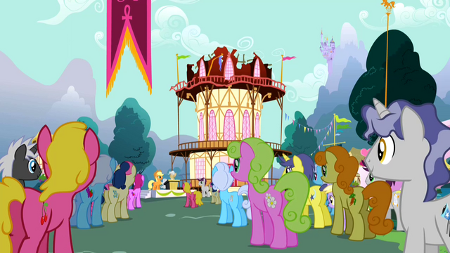 File:Crowd listening to Applejack S2E14.png