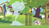 Ponies hear Pinkie Pie's voice S4E12