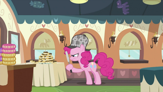 File:Pinkie Pie looking around 3 S2E24.png