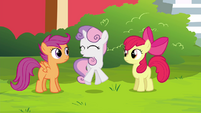 Sweetie Belle jumps up S4E15