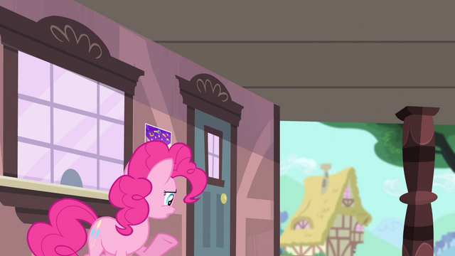 File:Pinkie Pie 'that doesn't look anything like a duck!' S4E11.png