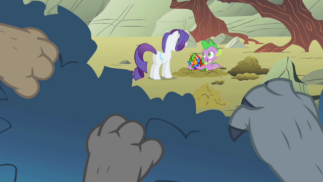 File:Diamond Dogs watching Rarity S01E19.png