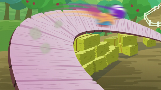 File:Scootaloo scooting fast S6E4.png
