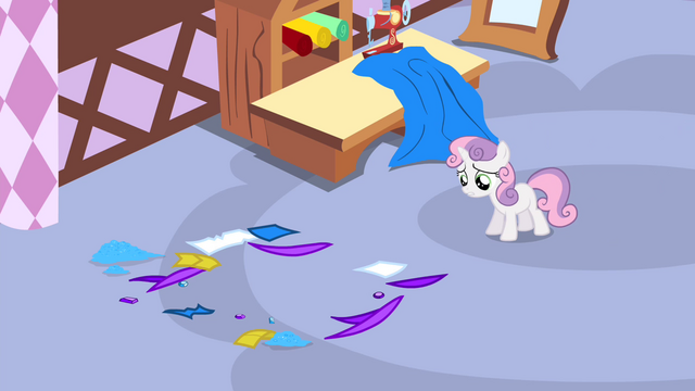 File:Sweetie Belle discovers the box is gone S4E19.png