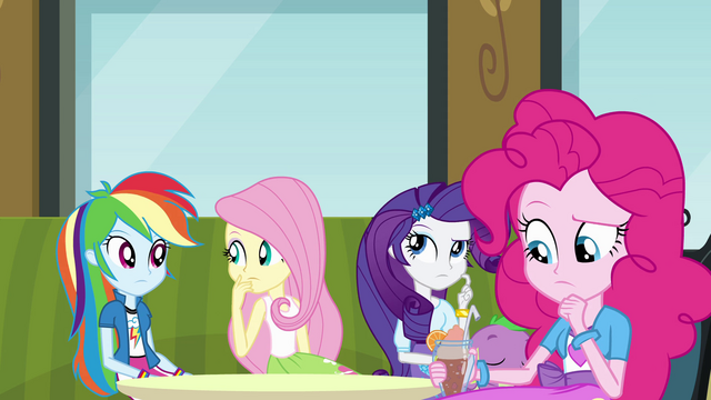 File:Twilight's friends thinking EG.png