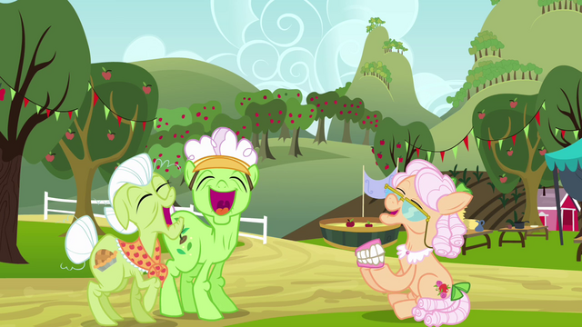 File:Granny, Applesauce, and Rose laughing S3E8.png