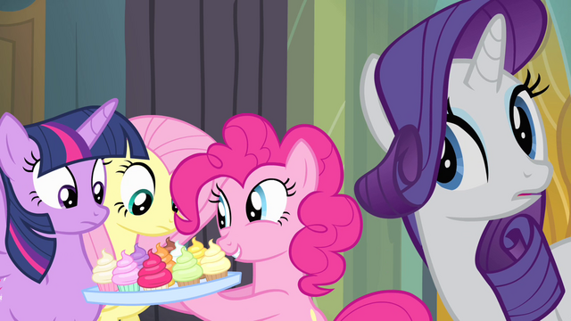 File:Pinkie Pie offers cupcakes to her friends S4E06.png
