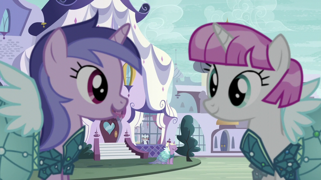 File:Sea Swirl wearing a Princess Dress S5E14.png