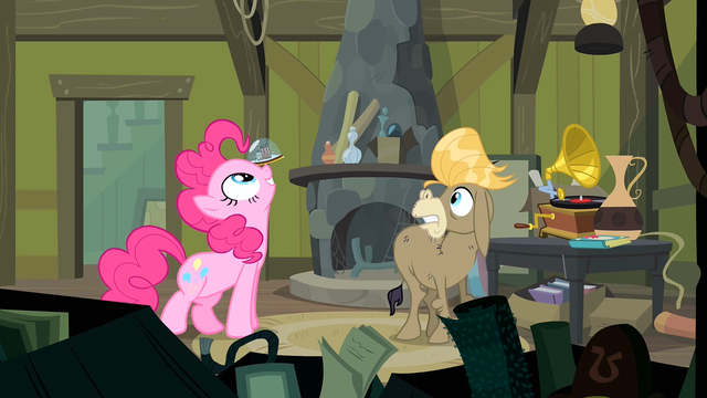 File:Pinkie Pie a seal S2E18.png