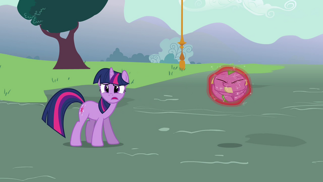 File:Twilight 'Trixie, put him down' S3E05.png
