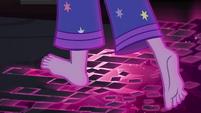 Floor breaks away beneath Twilight's feet EG4
