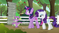 Twilight and Rarity amused by Spike S6E10