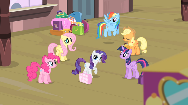 File:Rarity '...you'll all be there with me!' S4E08.png